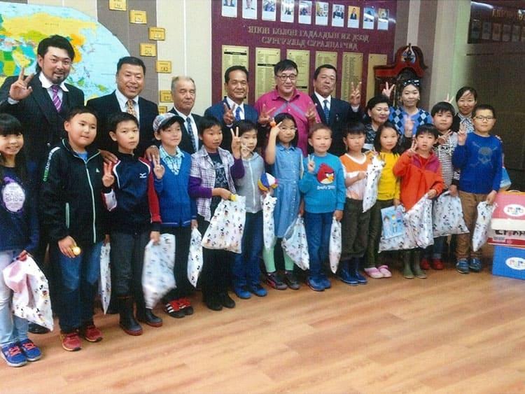 モンゴル国の学校訪問